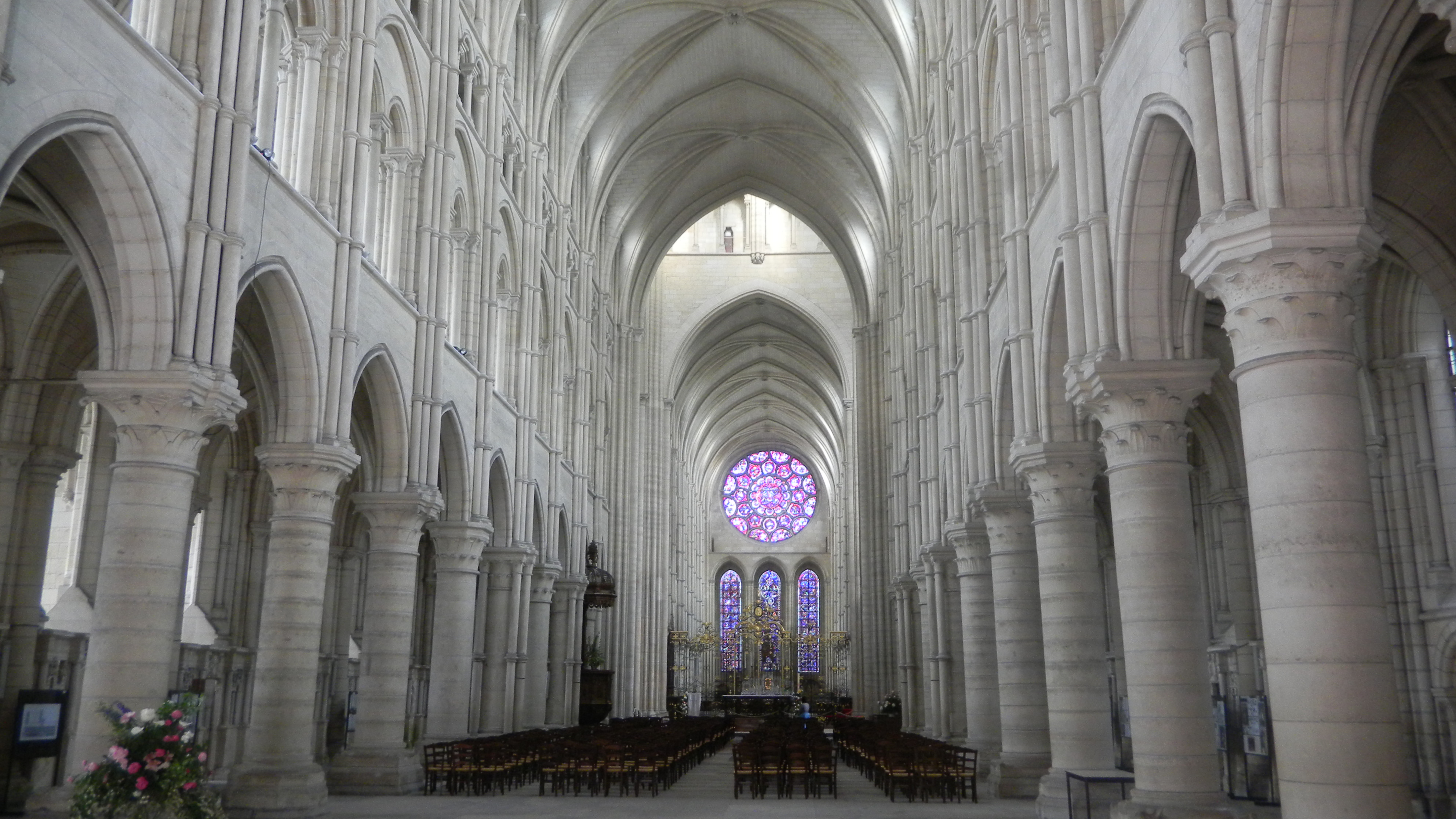 amiens cathedral essays Gothic cathedrals descriptive essay by jay writtings llc gothic cathedrals this paper discusses the birth of the gothic cathedral and looks at its main characteristics.